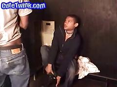 Black Hottie Sucked On The Locker Room